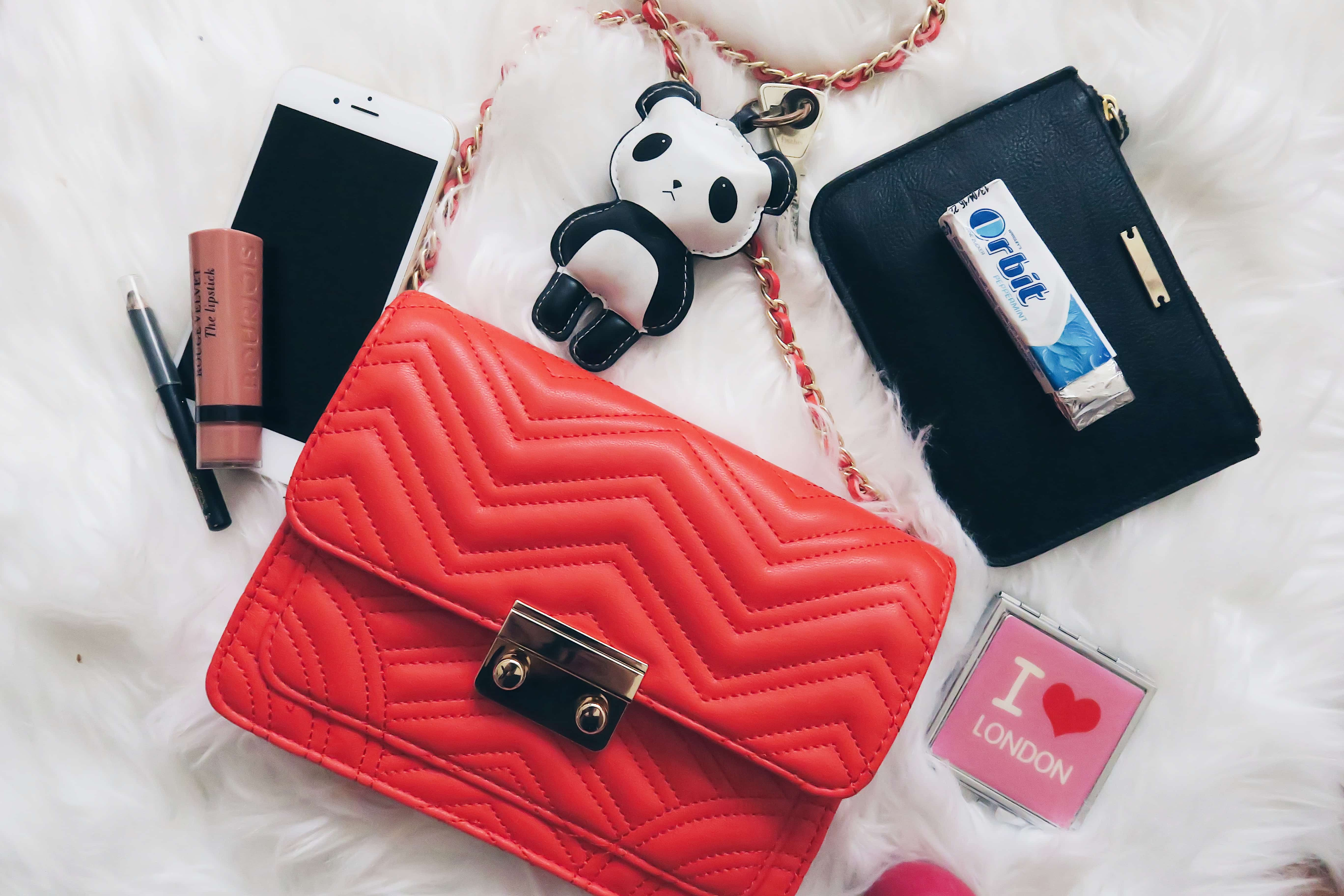 whats in my bag was ist in meiner tasche